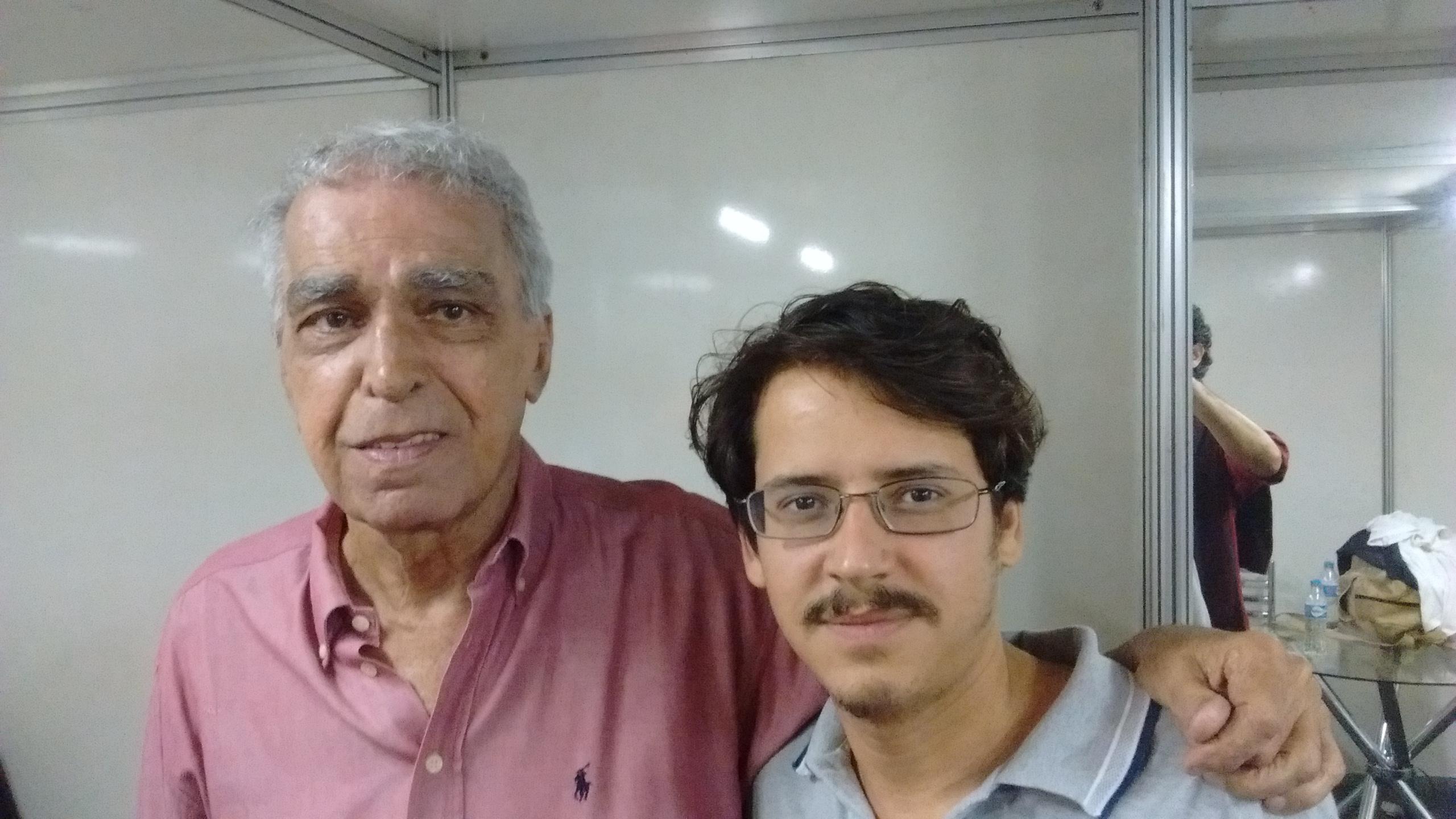 Severino Filho, nos bastidores de um show no Arpoador Foto: Neil