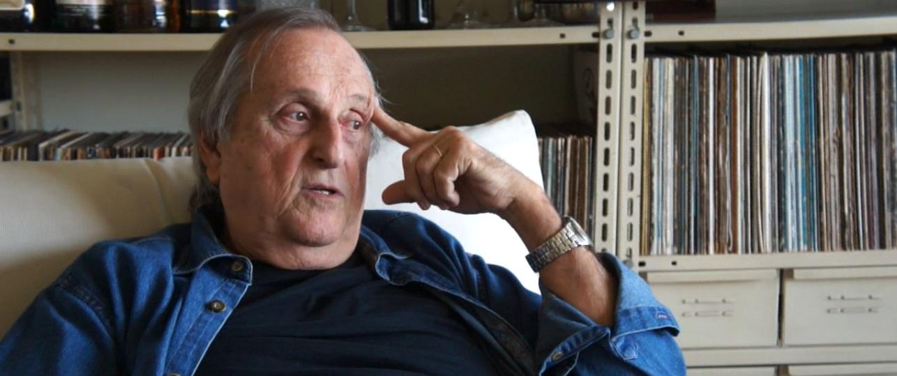 Armando Pittigliani durante entrevista em seu apartamento Foto: Bernardo Costa/coisasdamusica